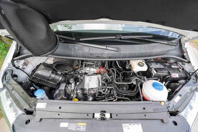 Jediným dodávaným motorem je povedený vznětový čtyřválec 2.0 TDI sdvojicí turbodmychadel avýkonem 130 kW (177 k), vždy spojený sosmistupňovou samočinnou převodovkou