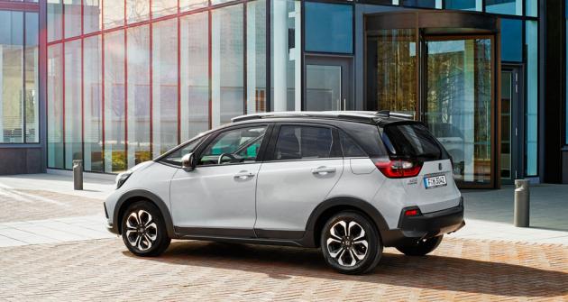Zvýšené provedení Crosstar svým pojetím nakukuje do segmentu malých vozů SUV
