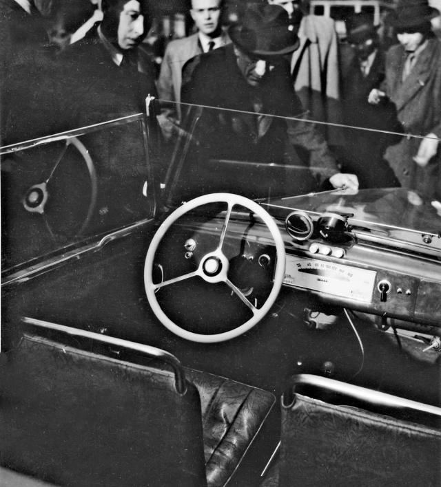 Ponny II měl velmi optimistický rychloměr se stupnicí do 160 km/h