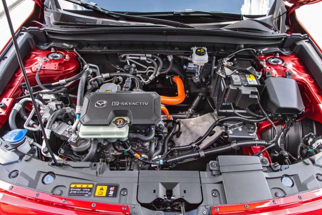 Vedle elektromotoru s výkonovou elektronikou je připraven prostor pro motor Wankel ve funkci prodlužovače dojezdu