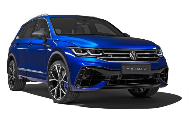 Sportovně zaměřený Volkswagen Tiguan R zaujme nejen koly sprůměrem až 21 palců, ale také specificky navrženou maskou chladiče anezaměnitelně tvarovanou spodní částí předního nárazníku. Přehlédnout nelze ani matně šedá zrcátka a střešní ližiny
