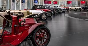 Alfa Romeo – 110 let závodní slávy
