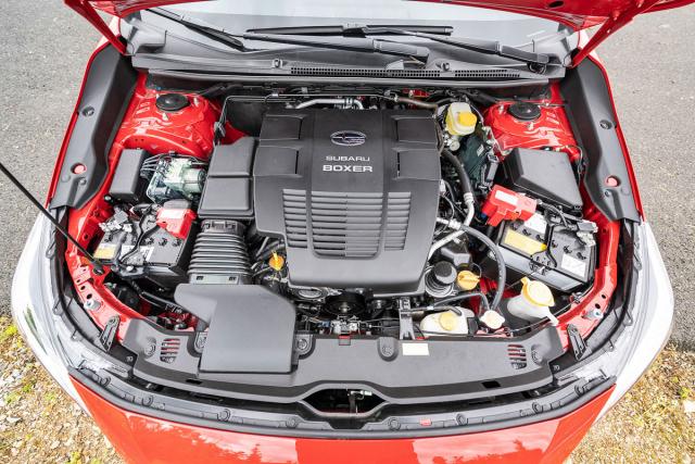Poháněcí soustava e-Boxer v Impreze je technicky shodná s technikou Subaru XV a Foresteru. V lehčí a nižší Impreze má ale elektrická část největší přínos