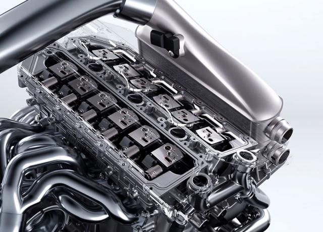 Tříválec je vybaven dvanácti elektro-hydraulicko-pneumatickými jednotkami ovládání ventilů bez mechanické vazby na klikový hřídel