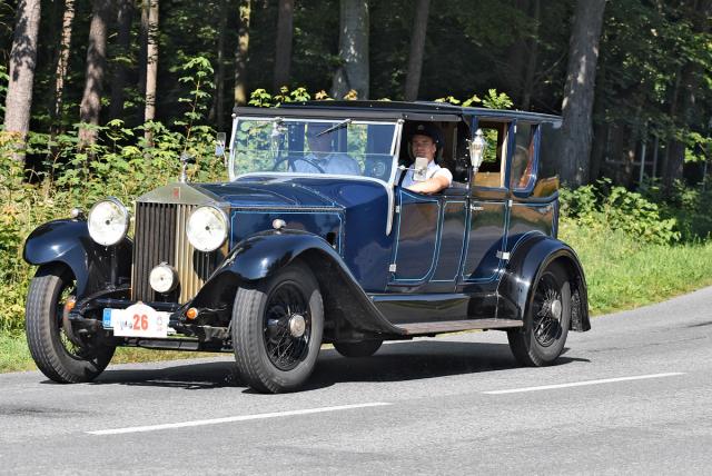 Rolls-Royce Phantom II z roku 1931 byl postavený karosárnou Wilkinson ve stylu R-R Silver Ghost zdvacátých let