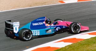 Damon Hill, syn Grahama, zavolantem posledního typu Brabham BT60B Judd V10 naVelké ceně Francie 1992 vMagny Cours