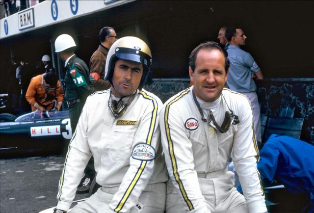V letech 1965 až 1967 tvořili Brabhamův tým Denny Hulme (vpravo) aJack Brabham