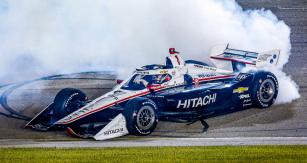Josef Newgarden loni podruhé dobyl titul mistra Indy Cars, letos poprvé vyhrál v prvním závodě na Iowa Speedway