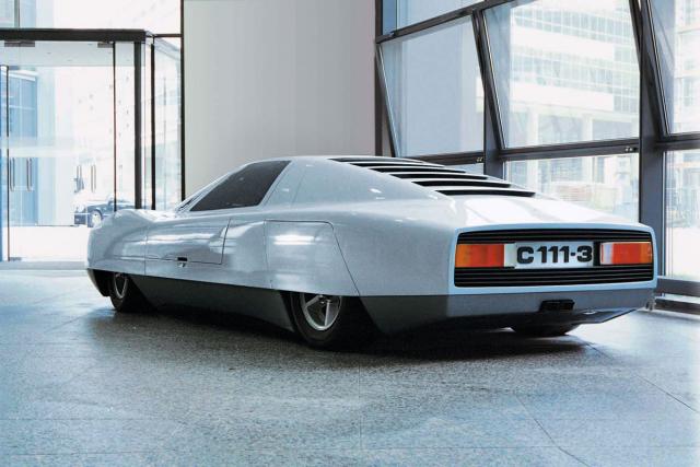 Třetí z řady konceptů C 111 dokázal uhánět rychlostí přes 320km/h apřekonal devět rekordů