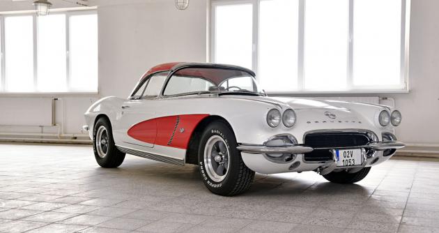 Tato Corvette vyniká svým skvělým stavem aneobvyklou kombinací výbavy