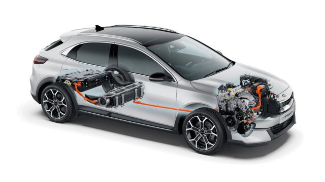 Technické řešení plug-in hybridního vozu Kia XCeed PHEV kombinující zážehový čtyřválec 1,6 litru s elektromotorem a akumulátorem umístěným vzadu