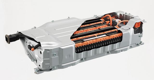 Přechod z Ni-Mh na Li-Ion akumulátor přinesl snížení hmotnosti a celkové zlepšení provozních parametrů vozu