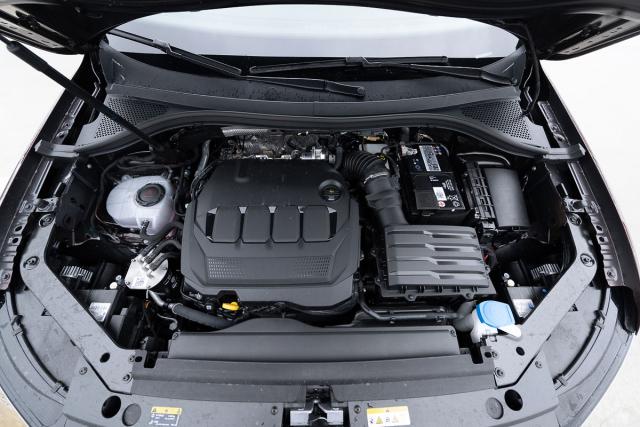 Motor 2.0 TDI Evo je ve verzi 110 kW ve spojení s převodovkou DSG a pohonem všech kol ideálním druhem pohonu pro tento typ vozů