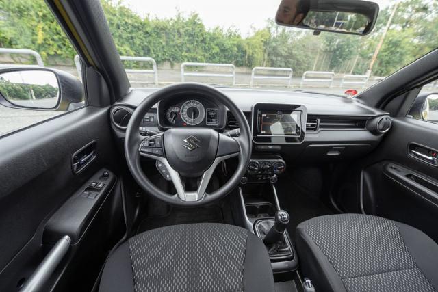 Jednoduchost, přehlednost afunkčnost – to jsou atributy všech interiérů Suzuki, Ignis v tomto směru není výjimkou