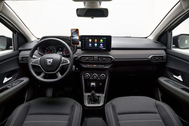 Nové pracoviště řidiče je praktičtější, lépe vybavené apůsobí hodnotnějším dojmem