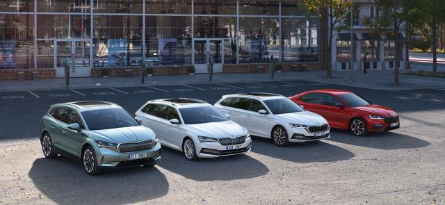 Rodina elektrifikovaných vozů se bude postupně rozrůstat. Přibydou jak elektrické, tak plug-in hybridní modely