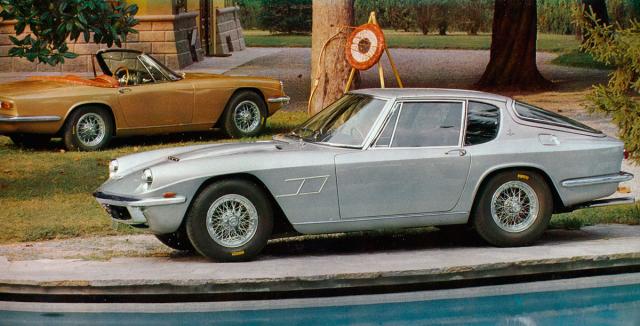 Maserati Mistral Tipo AM109, nástupce Sebringu, kupé a kabriolet světším motorem 3,7 nebo 4,0 litru (955 vozů v letech 1963 – 1969)