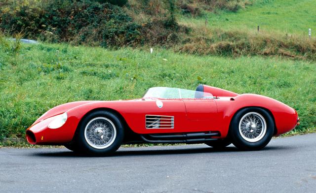 Maserati 300S (typ 53), sportovní prototyp s řadovým šestiválcem 3,0 litru (30 vozů v letech 1955 – 1959), resp. s vidlicovým osmiválcem 4,5 litru jako 450S typ 54 (11 vozů do 1958)