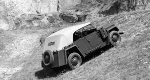 Vůz měl poháněna jen zadní kola, což omezovalo jeho terénní schopnosti