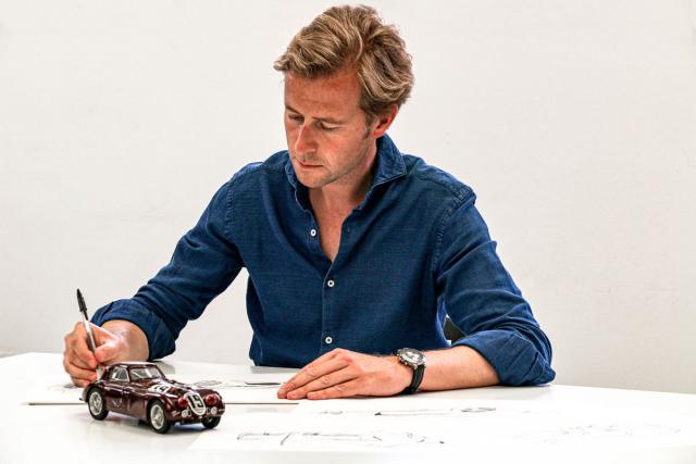 Designér Louis de Fabribecker se při návrzích Aera 3 nechal inspirovat závodním automobilem zLeMans 1938