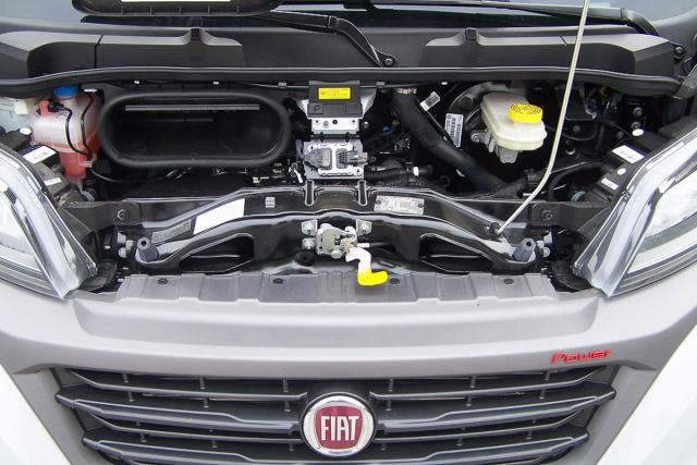 Poháněcí ústrojí z vozu díky kombinaci 130kW motoru a samočinné převodovky dělá příjemného společníka