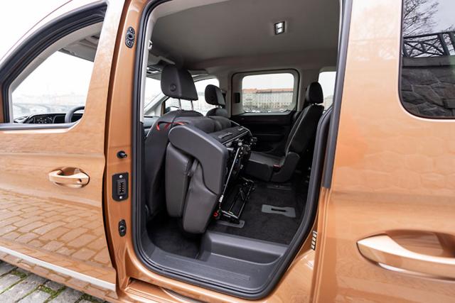 Boční posuvné dveře jsou v nové generaci o139 mm širší, takže usnadňují nastupování na zadní sedadla