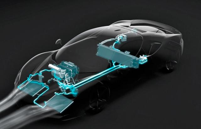 Vůz má několik chladicích okruhů, jeden znich se zaměřuje na akumulátor, přední elektromotory a měnič napětí