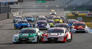 Nico Müller (Audi č. 51) a René Rast (Audi č. 33) svedli velký souboj o titul DTM 2020, ale Rast vyhrál s náskokem 23 bodů (skóre 353 : 330)