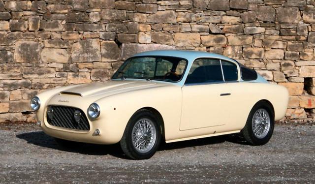 Cisitalia 33DF Voloradente Coupe 1954. Voloradente znamená italsky nízký průlet