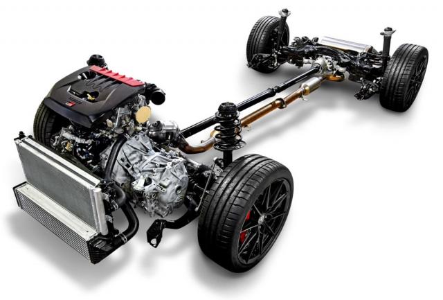 Nový podvozek, motor posunutý dozadu aspeciální pohon všech kol, to vše ve speciální karoserii – za takto rozsáhlé a nutno dodat, že dokonale funkční úpravy zaslouží Toyota respekt