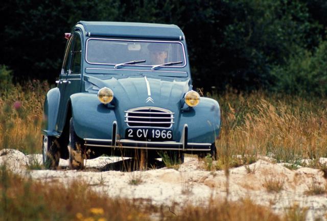 Model 2 CV přetrval ve výrobě neuvěřitelných 42 let a poslední sjel z výrobní linky červenci 1990