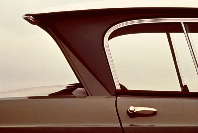 Díky tvaru Csloupku anegativnímu sklonu zadního okna je model Ami 6 dodnes nepřehlédnutelný