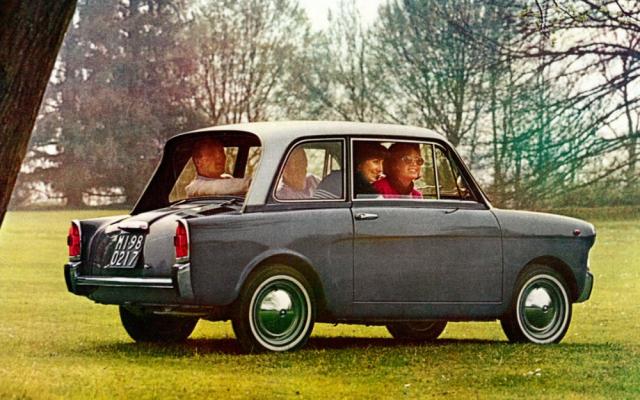 Malá Bianchina ve čtyřmístném provedení (4 Posti Standard) z první poloviny šedesátých let