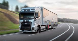 Ford F-Max, držitel prestižního titulu International Truck of The Year 2019, vprovedení BlackLine
