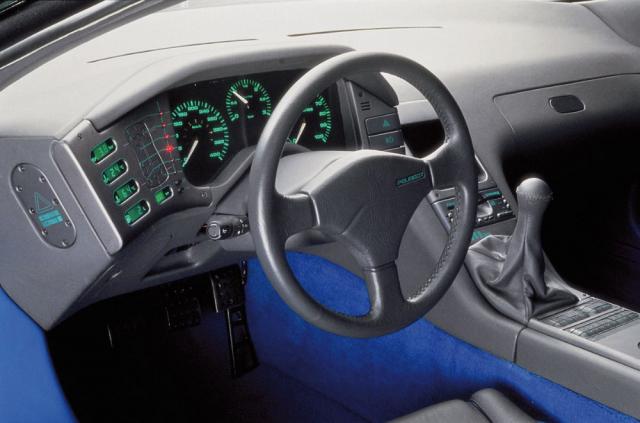 Při práci na interiérech Peugeotu Bracq často soupeřil s italskými studii, která v té době byla častým dodavatelem designu Peugeotu. Zde koncept Peugeot Oxia
