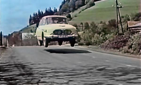 T 603 v krátkém filmu