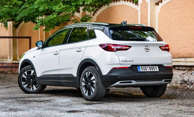 Opel Grandland X bude na trhu figurovat ještě pár měsíců. Modernizovaná verze soznačením Grandland dorazí do prodeje až v listopadu