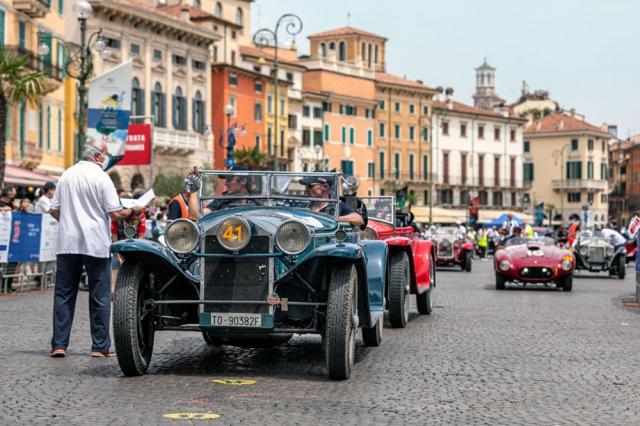 Lancia Lambda Casaro z roku 1929 sideálním koeficientem 1,8