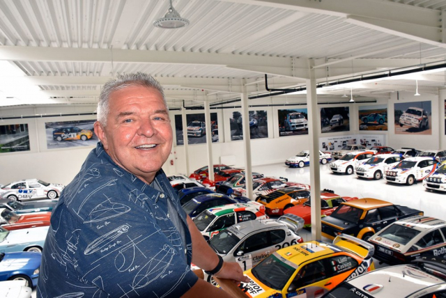 Ing. Jiří Jirovec, závodník, sběratel, podnikatel a hlavně nadšenec, může být na svoji sbírku soutěžních originálních a několika okruhových speciálů DTM opravdu hrdý. O každém automobilu dokáže vyprávět neuvěřitelné příhody při jeho objevování