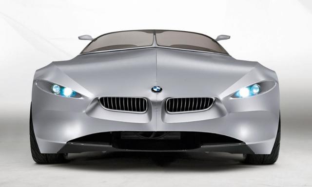 BMW Gina Light Visionary Concept měl premiéru až několik let po svém vzniku v roce 2008. Díly karoserie tvořené propnutým elastickým plátnem napověděly, jak Chris Bangle vlastně přišel na netradiční tvarosloví