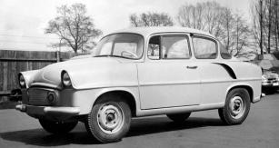 První prototyp Škoda 977 sevzduchem chlazeným plochým čtyřválcem v zádi